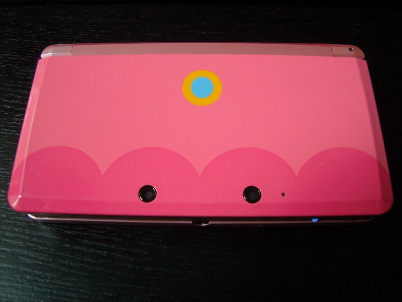 "Nintendo 3DS Collector ""Peach"" Club Nintendo 2012"